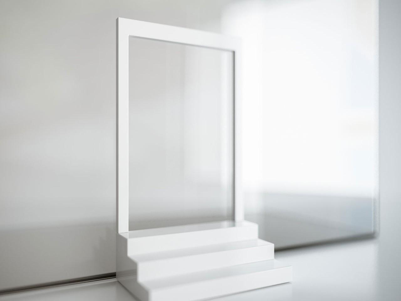Casa de vidrio llena de agua