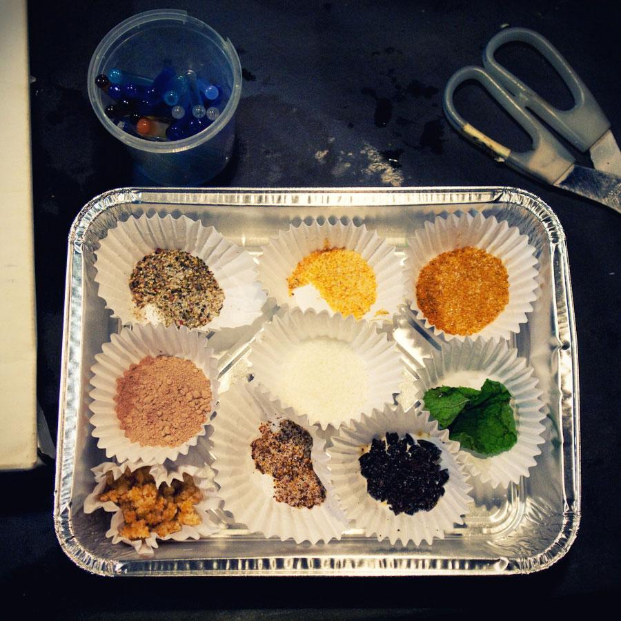 talleres creativos, manipulamos azucar con tecnicas vidrieras los sabores del vidrio