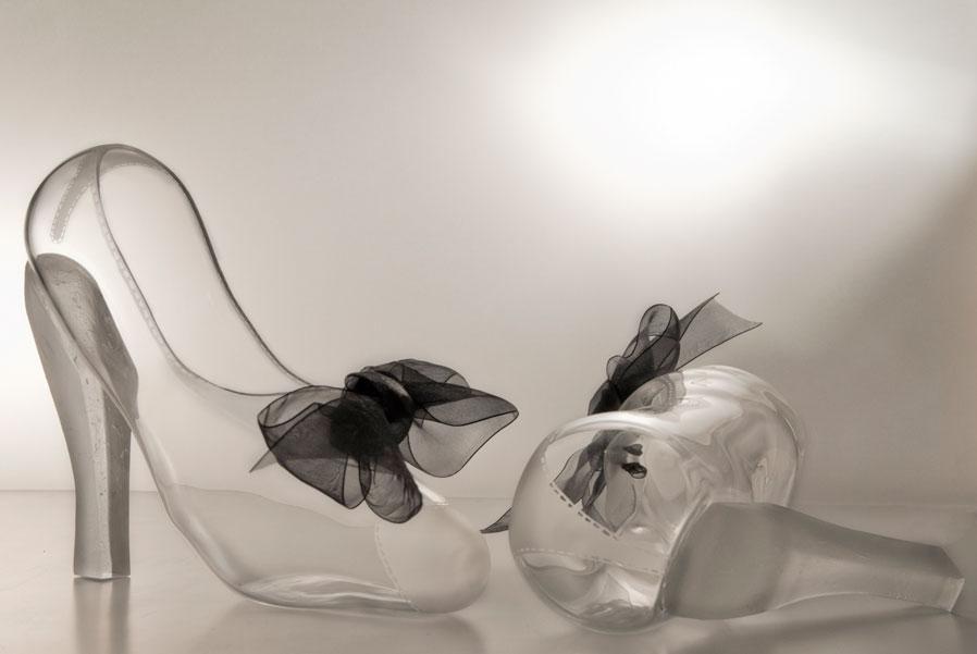 zapato de cristal con lazos de seda negra