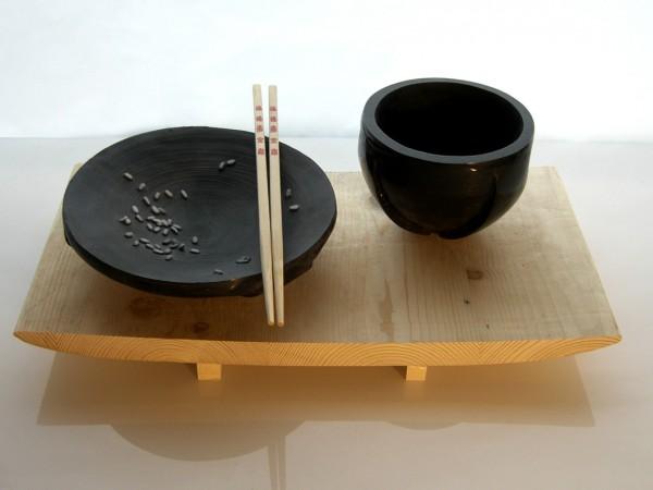 Juego de plato y taza de vidrio inspirados a la cultura nipona.