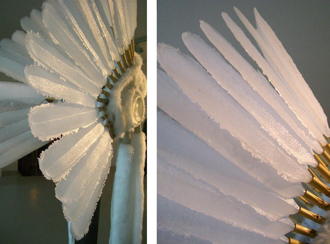 penacho de indio con plumas de vidrio