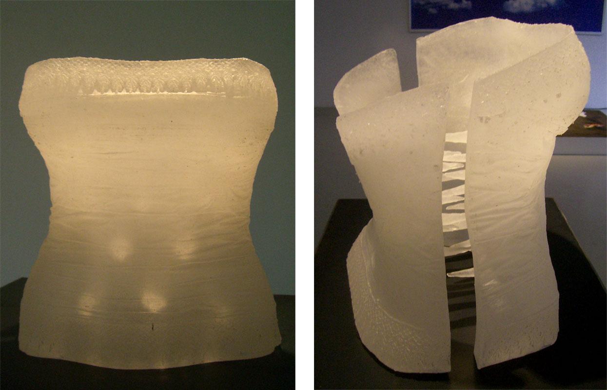 Corset blanco en vidrio a tamaño natural