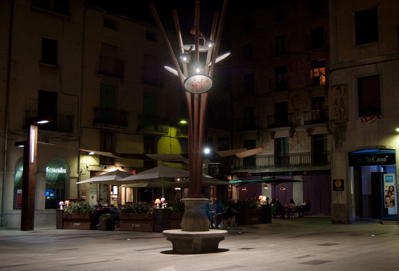 Foto farola de noche en Ripoll